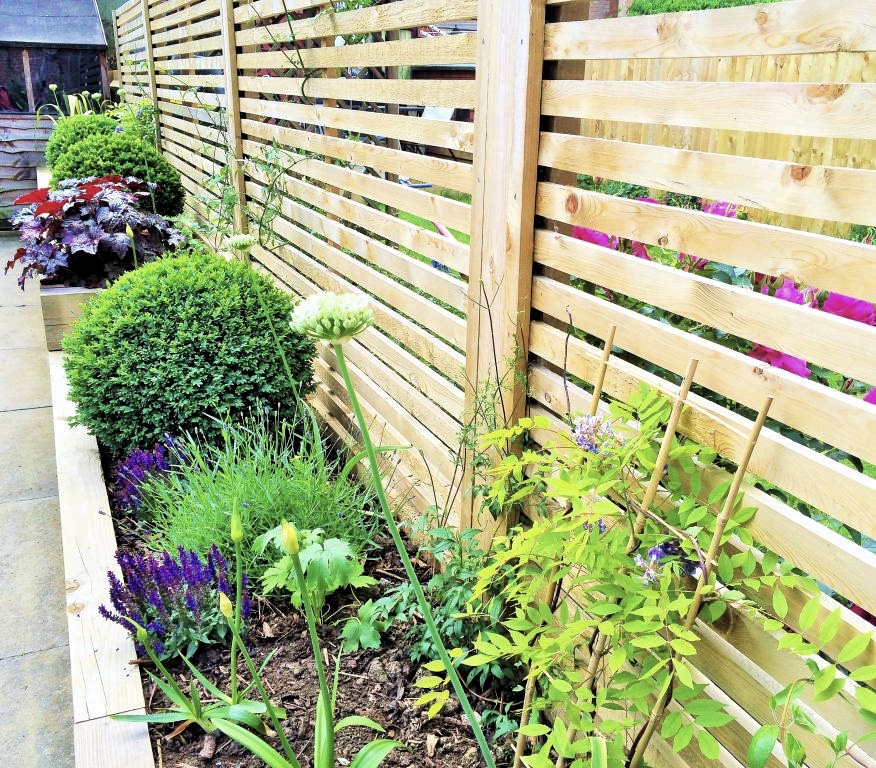 Raised Bed Contemporary Screen Planting 2 Mdc